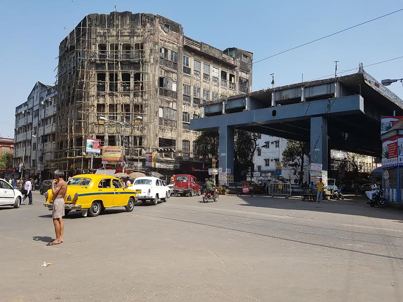 The unfinished flyover at Ganesh Talkies crossing. Courtesy: Sohini Choudhuri