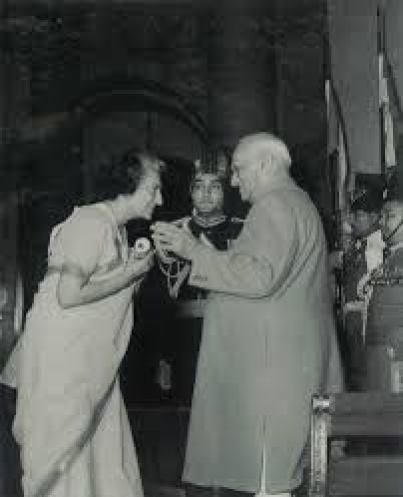 India Gandhi receiving the Bharat Ratna award from then President V.V. Giri in 1971. Courtesy: Rashtrapati Bhavan
