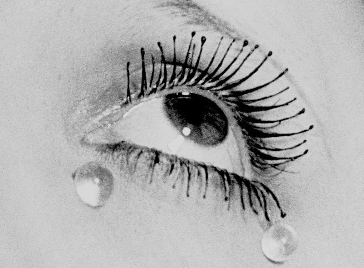 Glass Tears 1932 Gelatin Silver print (Estate print) 24 X 30 cm © Man Ray Trust – ADAGP / courtesy MONDO GALERIA | TARQ