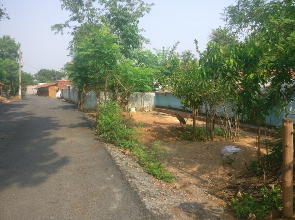 A deserted road in Nagadih. Credit: Ajoy Ashirwad Mahaprashasta