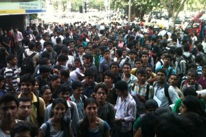 College students stand in line at the AICTE office in Mumbai. Credit: Wikimedia