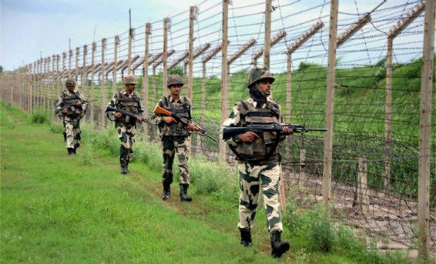 Five soldiers injured, one dead as militants open fire on Army convoy