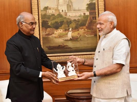 Ram Nath Kovind with Prime Minister Modi. Credit: Governor of Bihar website