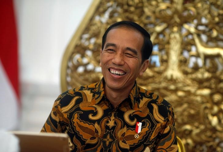 Indonesia's President Joko Widodo gestures during an interview with Reuters in Jakarta, Indonesia, July 3, 2017. Credit: Reuters/Beawiharta