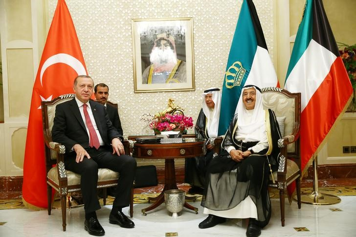 Turkish President Tayyip Erdogan meets with the Emir of Kuwait Sabah Al-Ahmad Al-Jaber Al-Sabah in Kuwait City, Kuwait, July 23, 2017. Credit: Reuters/Kayhan Ozer/Presidential Palace (Turkey