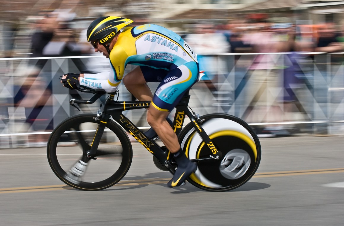 Lance Armstrong during the 2009 Tour of California. Credit: puliarfanita/Flickr, CC BY 2.0