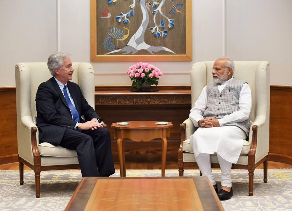 Prime Minister Narendra Modi with Carnegie president William Burns. Credit: Facebook/Carnegie India