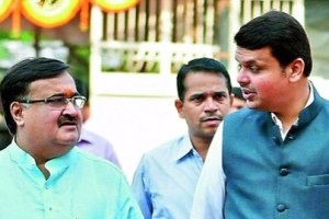 Maharashtra chief minister Devendra Fadnavis (right) with state housing minister Prakash Mehta. Credit: PTI