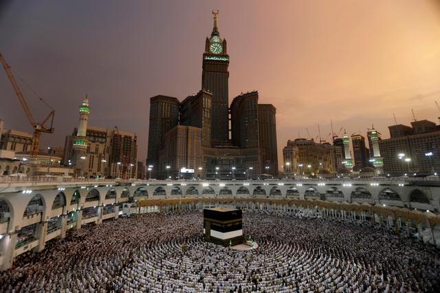 Muslims pray at the Grand mosque ahead of the annual Haj pilgrimage in Mecca, Saudi Arabia, August 29, 2017. Credit:Reuters