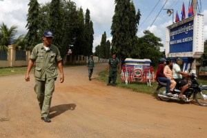 Policemen stand guard in front of the Correctional Center N.3, where according to local media Cambodia's opposition leader and President of the Cambodia National Rescue Party (CNRP) Kem Sokha was moved to, in Tbong Khmum province, Cambodia, September 6, 2017. Credit: Reuters/Samrang Pring