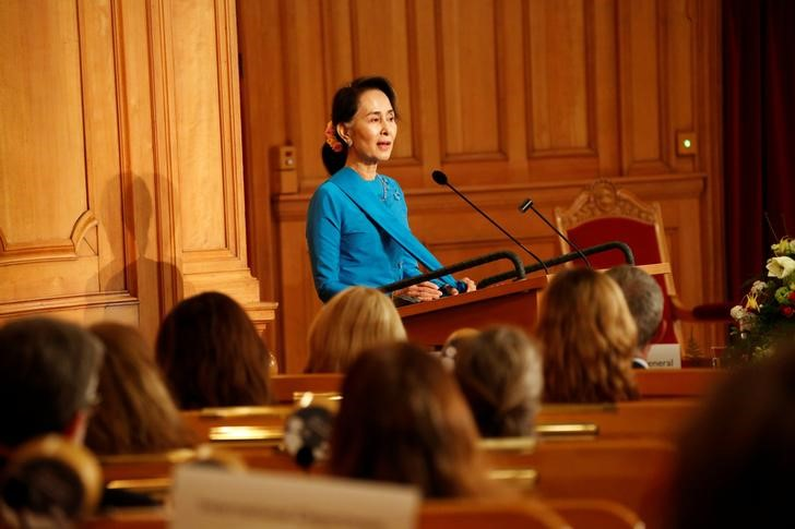 Myanmar's State Counsellor Aung San Suu Kyi gives a speech at the Swedish parliament in Stockholm, Sweden on June 13, 2017. Credit: Reuters