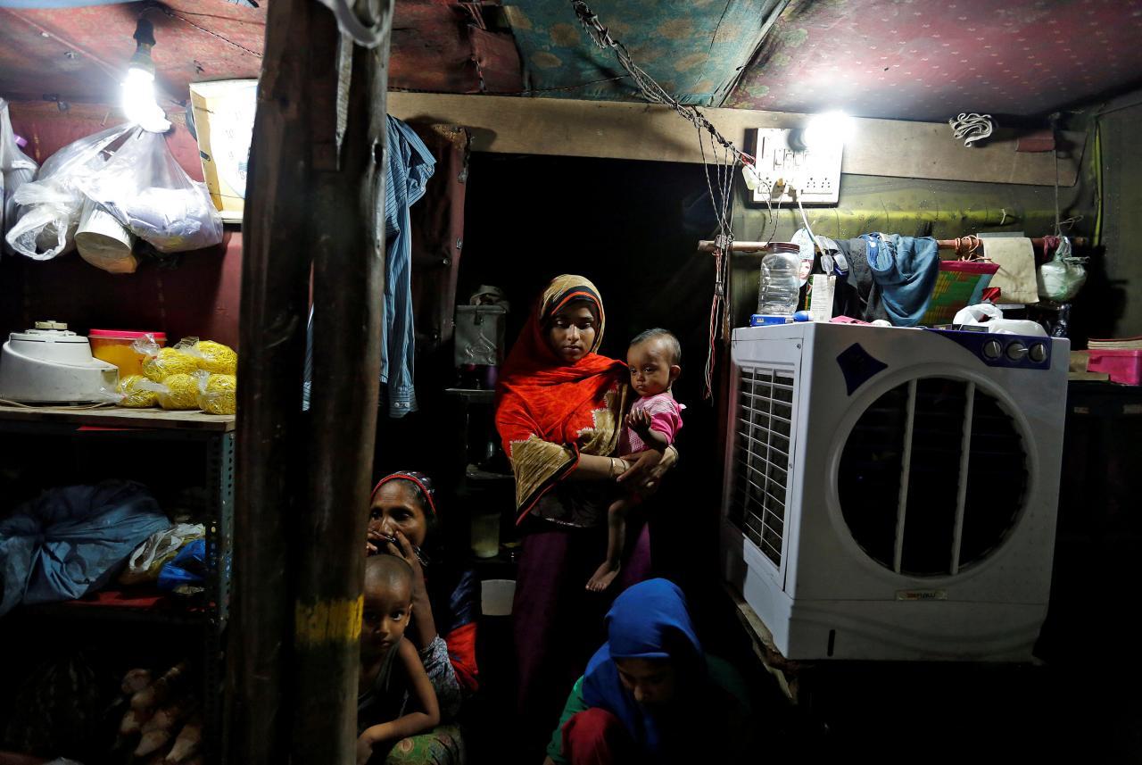 19 dead as Rohingya boat sinks off Bangladesh coast