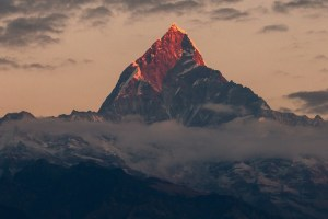 The Machapuchare peak in the Annapurna Himalaya in Nepal. Credit: gorkhe1980/pixabay