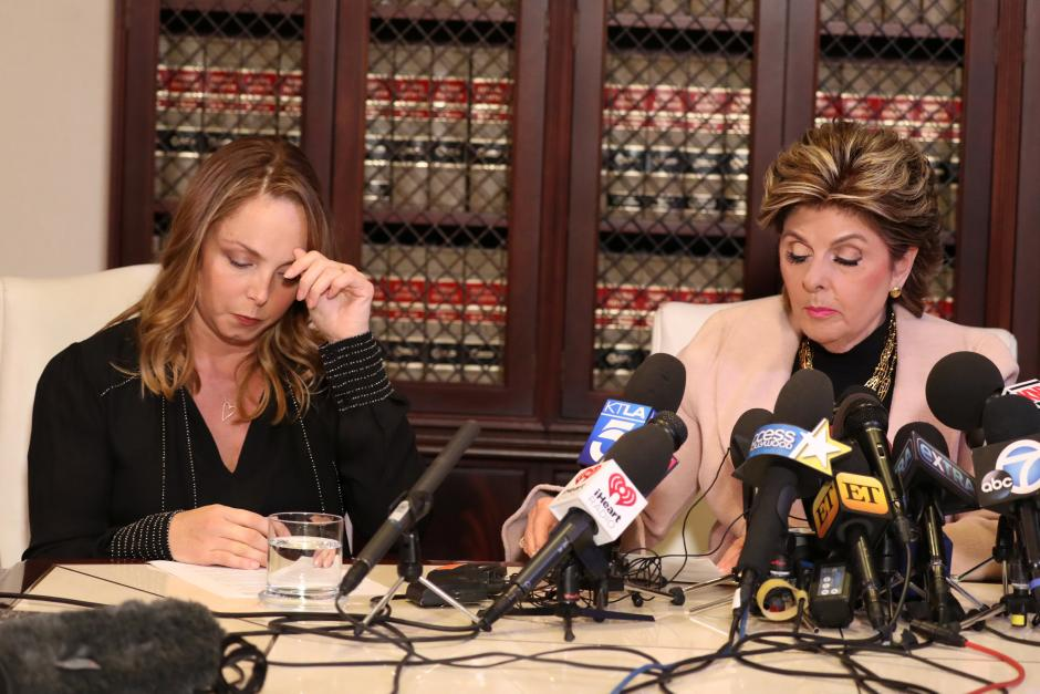 Louisette Geiss (L) sits with lawyer Gloria Allred as she speaks at a news conference to allege that Harvey Weinstein sexually harassed her, in Los Angeles, California, US October 10, 2017. Credit: Reuters/Lucy Nicholson