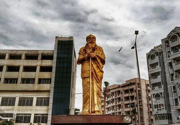 A statue of Periyar Visakhapatnam. Credit: Facebook/VibrantVizag