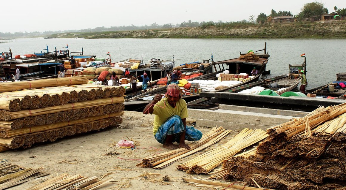 Dhubri is saturated with workers from the islands looking for daily wages, and Mainudding has few other options. Credit: Author provided