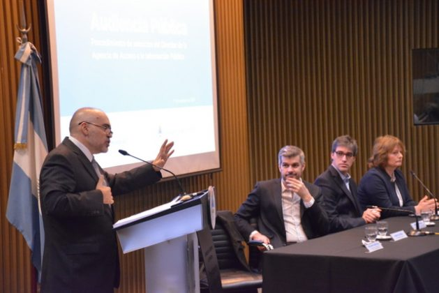 The director of the new Agency for Access to Public Information in Argentina, Eduardo Bertoni – a former IACHR special rapporteur for Freedom of Expression - presented his plans at the Aug. 17 public hearing where his appointment was discussed. Credit: Chief of the Cabinet of Ministers