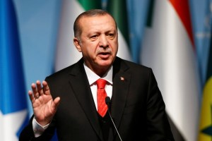 Turkish President Tayyip Erdogan speaks during a news conference following the extraordinary meeting of the Organisation of Islamic Cooperation (OIC) in Istanbul, Turkey, December 13, 2017. Credit: Reuters/Osman Orsal