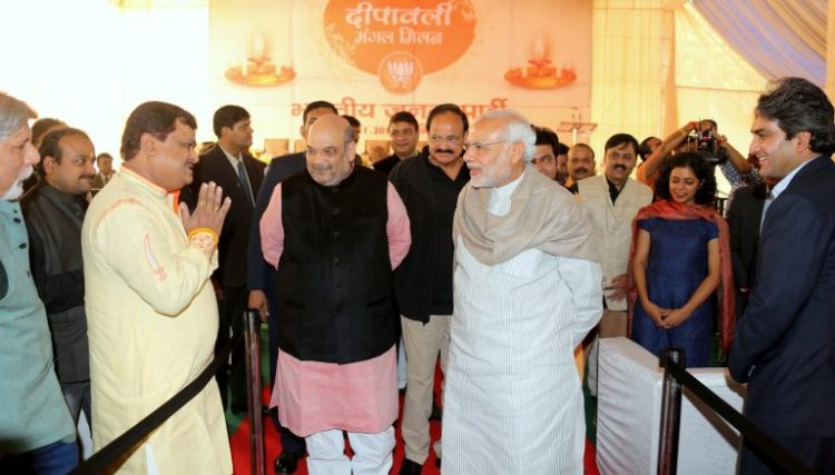 honble_prime_minister_shri_narendra_modi__bjp_president_shri_amit_shah_interacting_with_media_personnel_at_diwali_milan_program_at_11_ashok_road_on_november_28_2015_2_20151128_1935175959