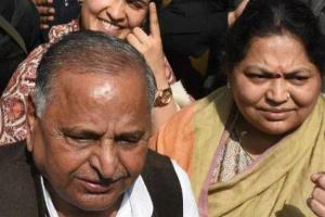 MYLAYAM-AND-WIFE-SADHNA 1