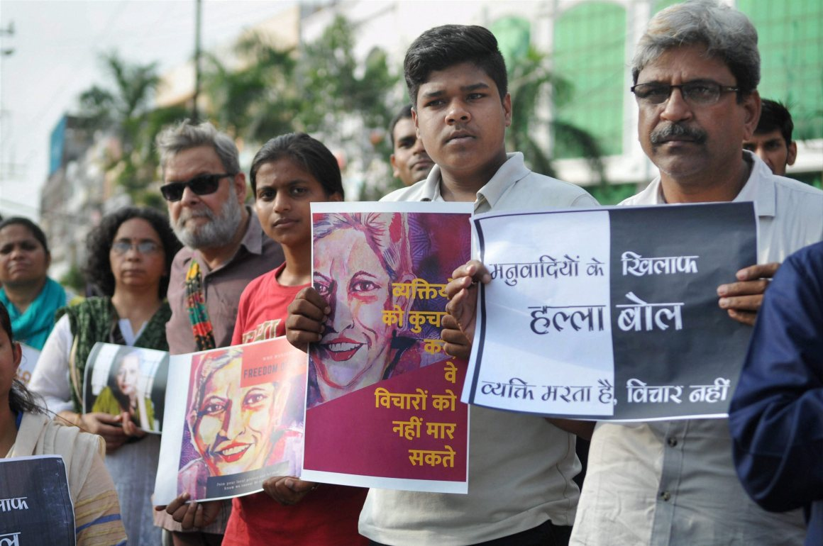 Bhopal: Journalists, social workers and members of various organisations hold protest against the killing of journalist Gauri Lankesh, in Bhopal on Thursday. PTI Photo (PTI9_7_2017_000135B)