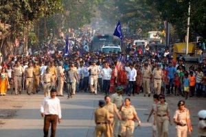 भीमा कोरेगांव हिंसा के ख़िलाफ़ मुंबई में दलित समुदाय द्वारा विरोध प्रदर्शन (फोटो: पीटीआई)
