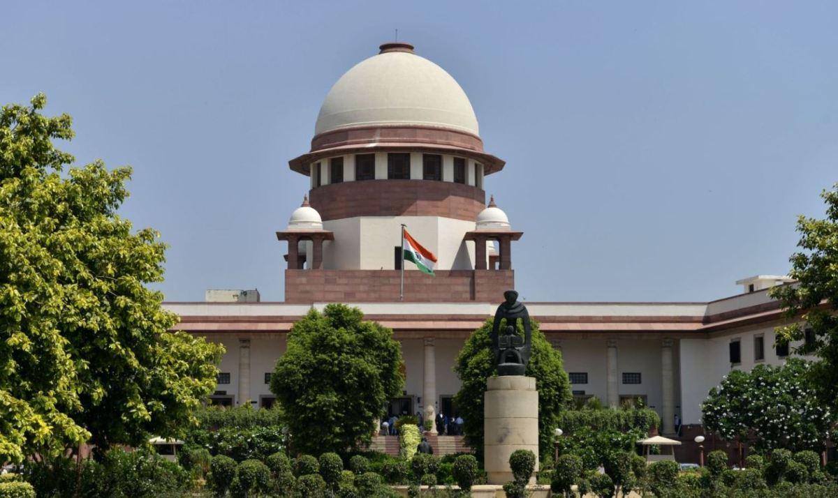 सीबीआई विवाद: निदेशक आलोक वर्मा मामले की सुनवाई शुक्रवार तक के लिए स्थगित