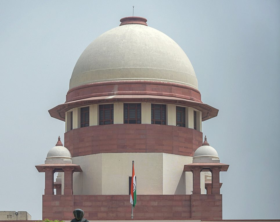 New Delhi: A view of the Supreme Court, in New Delhi, on Thursday. (PTI Photo / Vijay Verma)(PTI5_17_2018_000040B)
