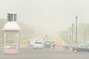 New Delhi: A hazy overcast near India Gate as air quality dips further, in New Delhi on Wednesday, June 13, 2018. (PTI Photo/Vijay Verma) (PTI6_13_2018_000102B)