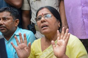 Patna: Former Bihar Social Welfare Minister Manju Verma addresses a press after resigning over allegations against her husband, who is accused of his links with the Muzaffarpur shelter rape case, in Patna on Wednesday, Aug 8, 2018. (PTI Photo) (PTI8_8_2018_000218B)