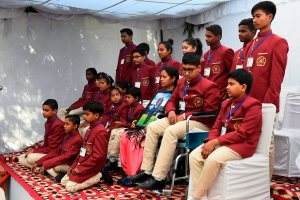 New Delhi: Children, who will be honored with National Bravery Awards 2018, pose for a group photo during a press conference, in New Delhi, Friday, Jan 18, 2019. (PTI Photo/Kamal Singh) (PTI1_18_2019_000062B)
