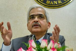 New Delhi: Reserve Bank of India Governor Shaktikanta Das interacts with the media at the RBI office, in New Delhi, Monday, Jan. 7, 2019.(PTI Photo/ Manvender Vashist) (PTI1_7_2019_000090B)