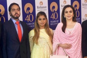 Reliance Industries chairman Mukesh Ambani with wife Nita Ambani and children Anant Ambani, Isha Ambani and Akash Ambani in Mumbai(PTI File Photo)