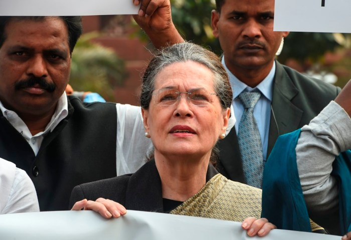 New Delhi: Congress President Sonia Gandhi leads a protest against Maharashtra government formation issue, at Parliament premises in New Delhi, Monday, Nov. 25, 2019. (PTI Photo/Shahbaz Khan) (PTI11_25_2019_000041B)