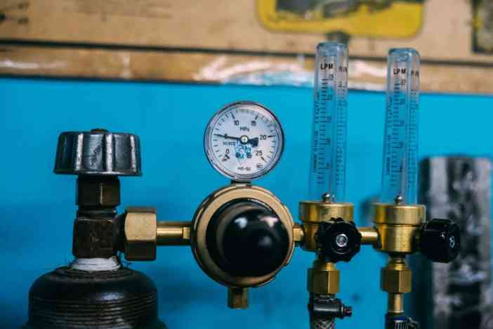 CO2 tank with regulator and meter