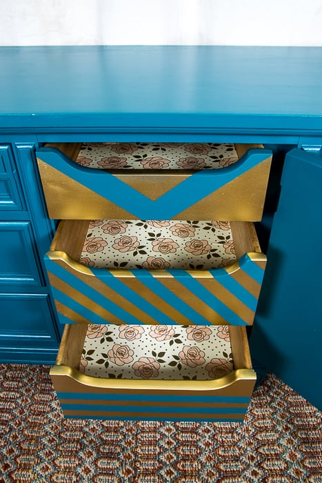picture of inside dresser drawers and liners