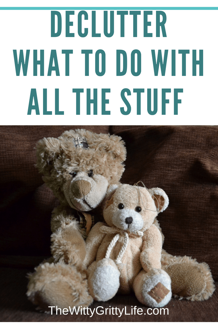 You are motivated to declutter and reclaim your home. Let me show you a few tips and ideas how to get rid of all the stuff so you can be on your way to becoming a minimalist and free up valuable time and space.