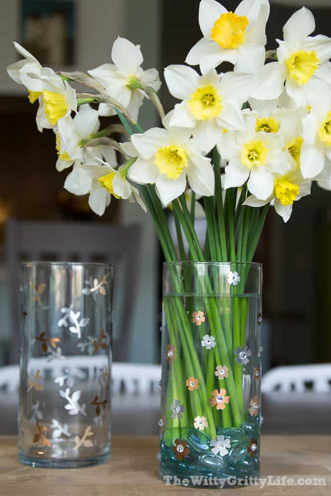 vase with daffodils