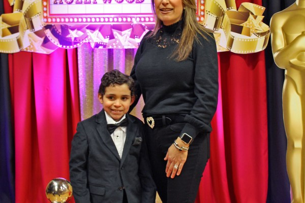Students and families were all smiles at A Night of Hollywood Stars!