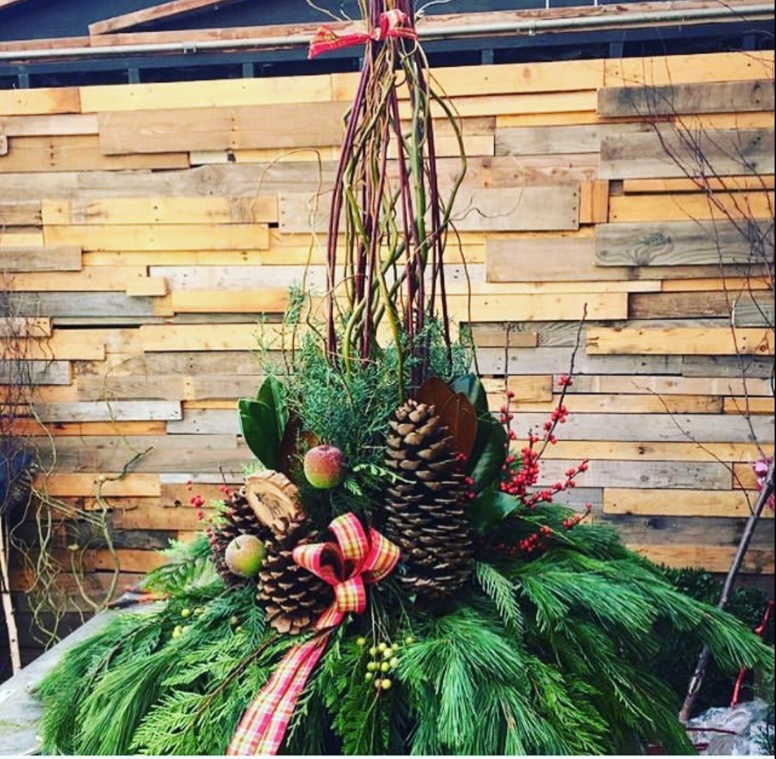 ways to decorate with pinecones
