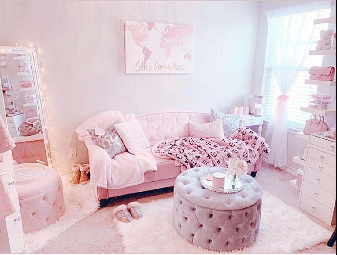 pink room decor