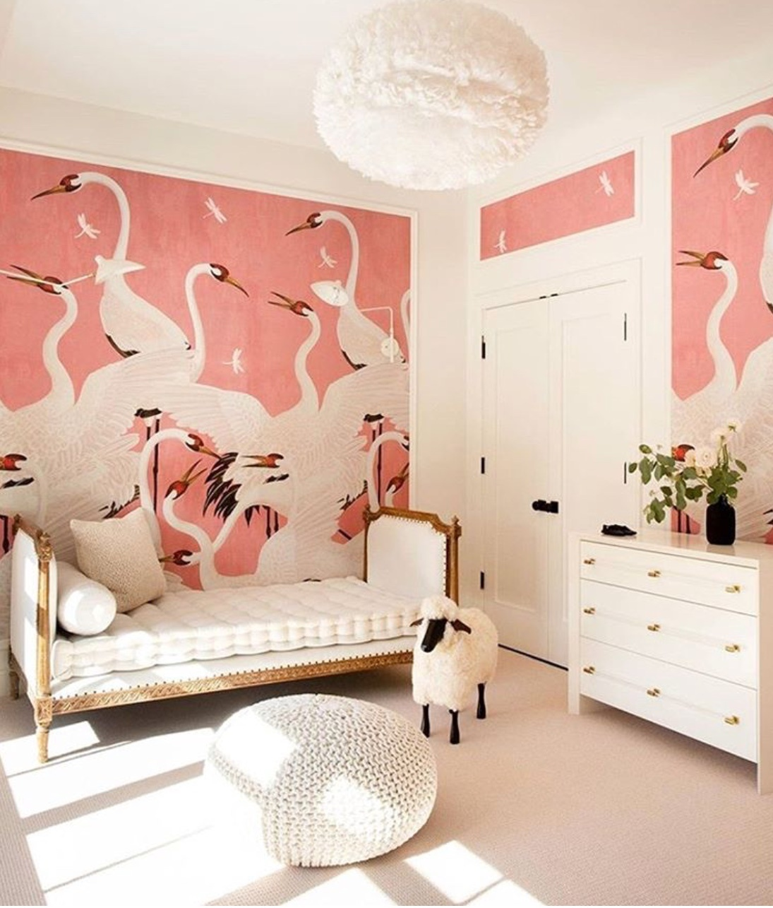 child's bedroom decor