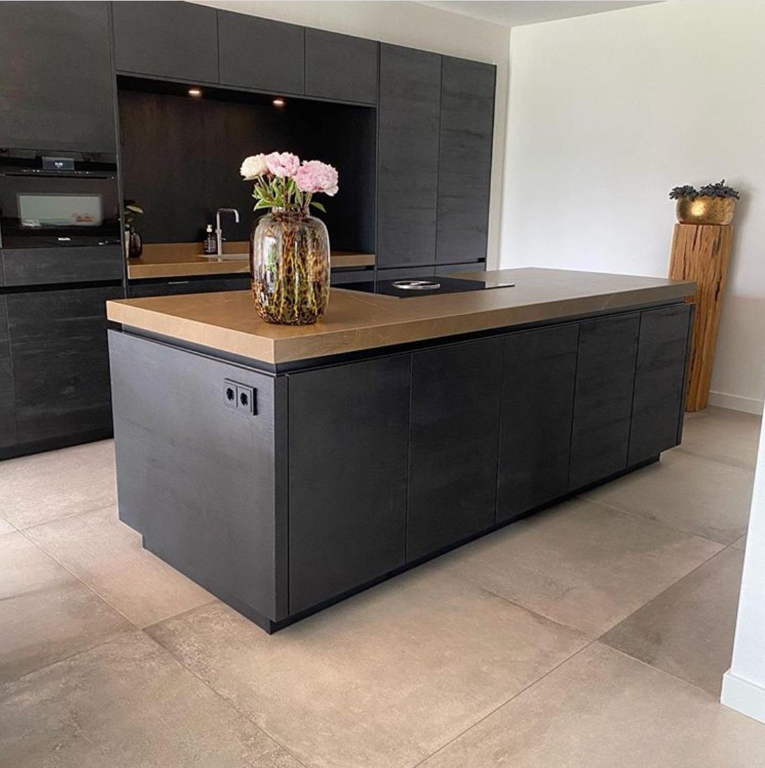 kitchen design with oakwood