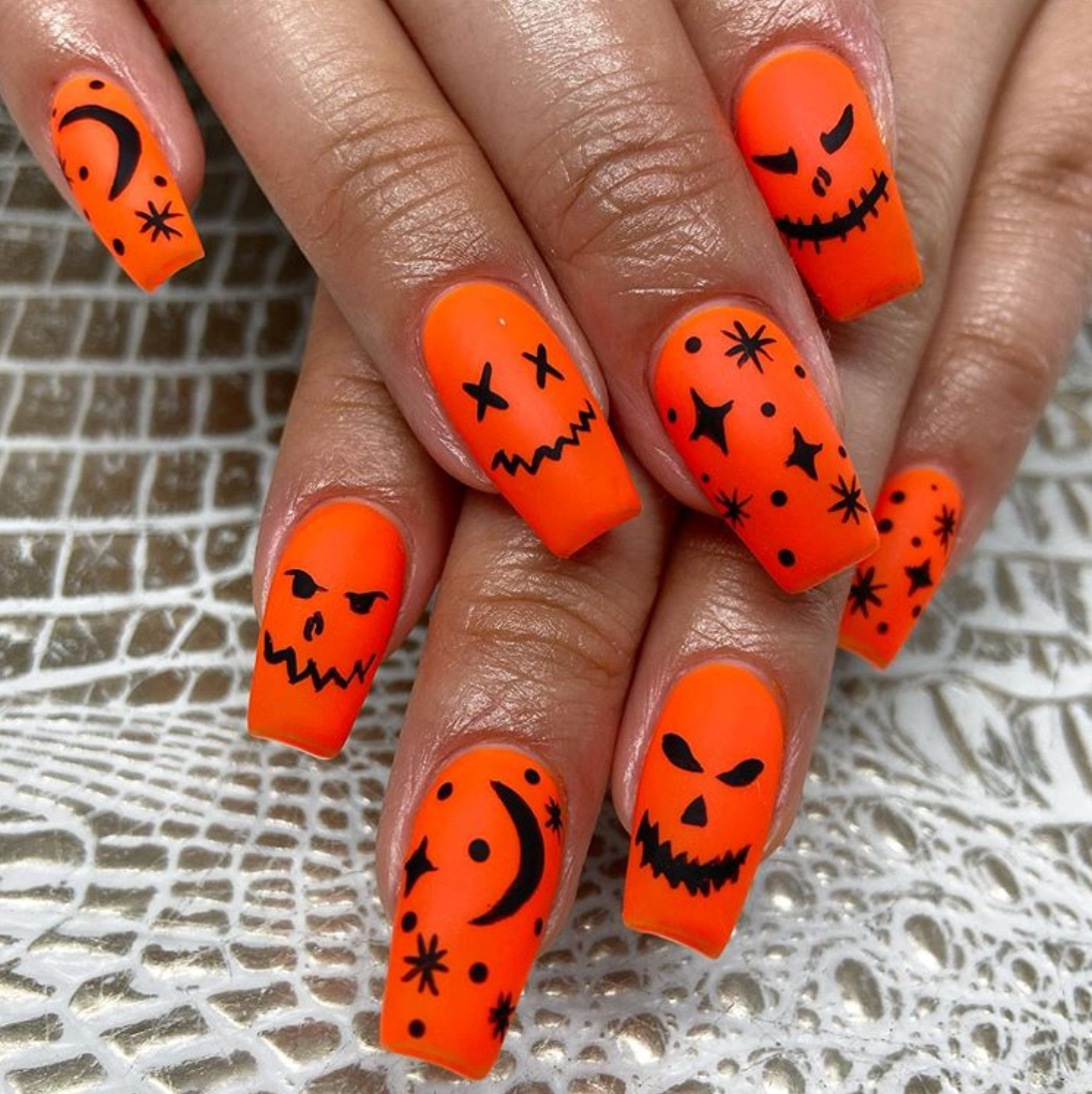 Halloween nail designs 2020