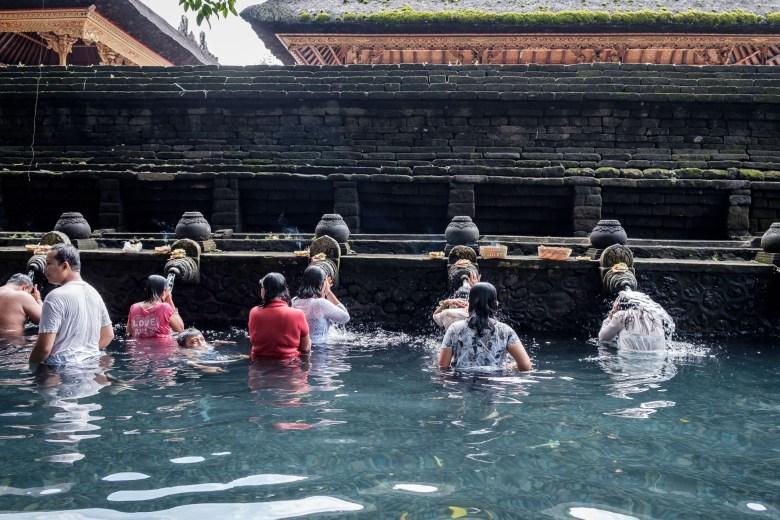 Indonesia Tirta Empul 34