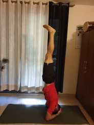 Mihir Katoch teaching us how to do a perfect headstand.