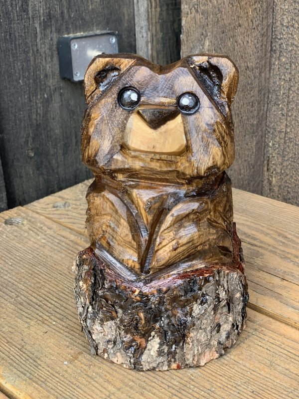 stump bear carving