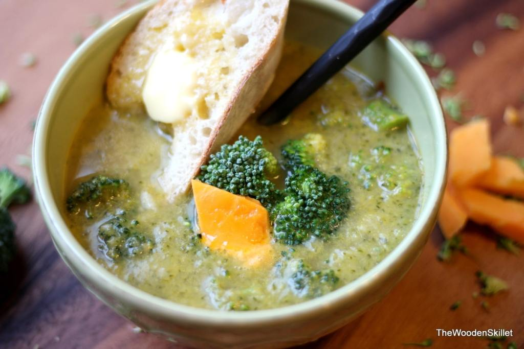 Broccoli Cheese Soup with Sauce Veloute Base - the perfect hearty soup recipe for fall and winter! thewoodenskillet.com #foodphotography
