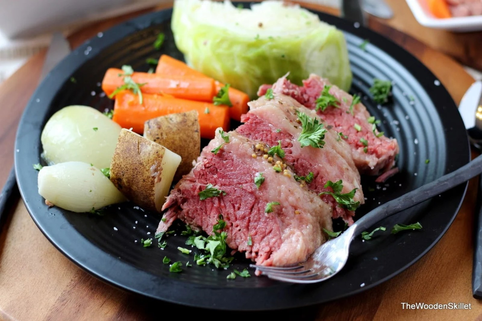 Corned Beef and Cabbage - thewoodenskillet.com