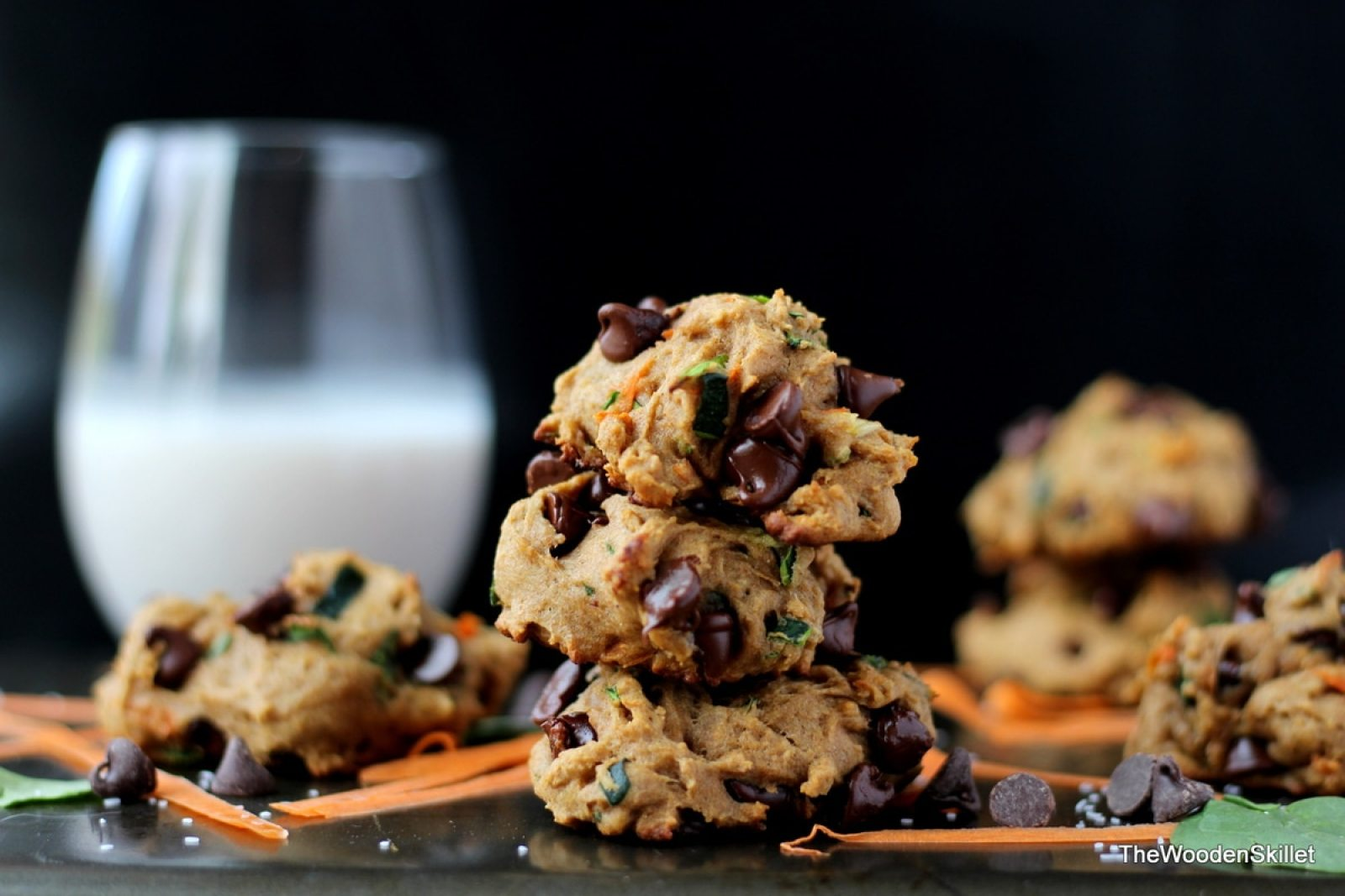 Healthy Chocolate Chip Cookies with Spinach, Zucchini and Carrots - thewoodenskillet.com